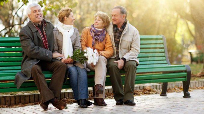 старость на скамейке